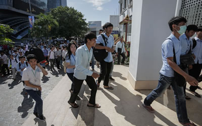 Students Migrate, Leaving School at the Border