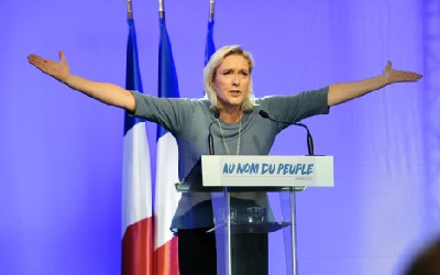 France: Le Pen wants to end free education for children of 'illegal immigrants'