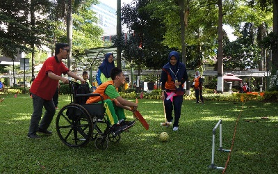 Learning about tolerance in Jakarta's inclusive sports festival for children