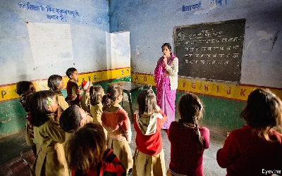 India: Why the world's biggest school system is failing its pupils