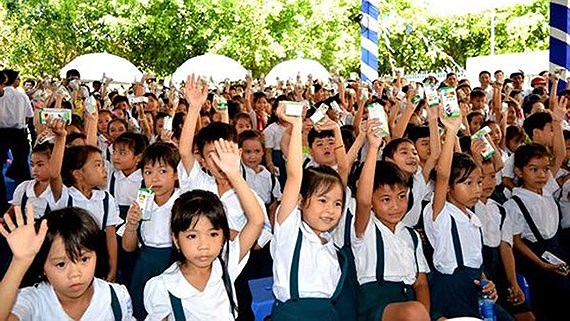 Viet Nam: Drop-out rates of children aged 5-14 fall