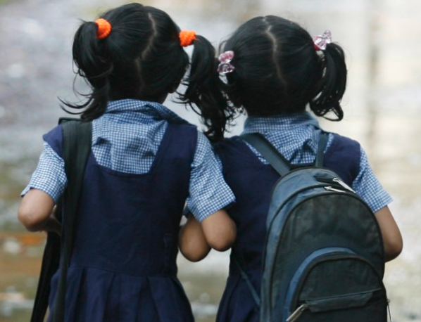 Life skills in non-formal contexts for adolescent girls in developing countries