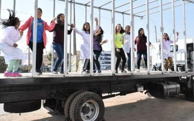 Museum on wheels: UNESCO Prize laureate brings science education to rural Peruvian girls