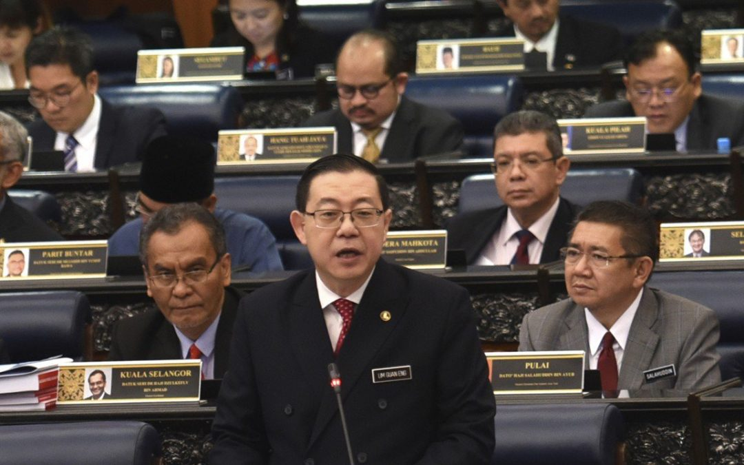 Malaysia Sets Larger Budget, with Priority on Education