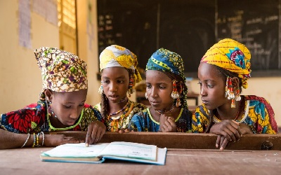 Piloting mother-tongue curriculum to improve literacy in Niger